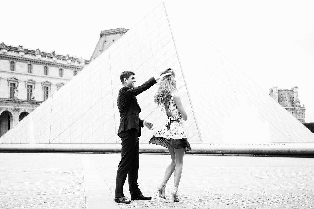 Katie_Mitchell_Paris_France_Engagement_Photographer_08.jpg