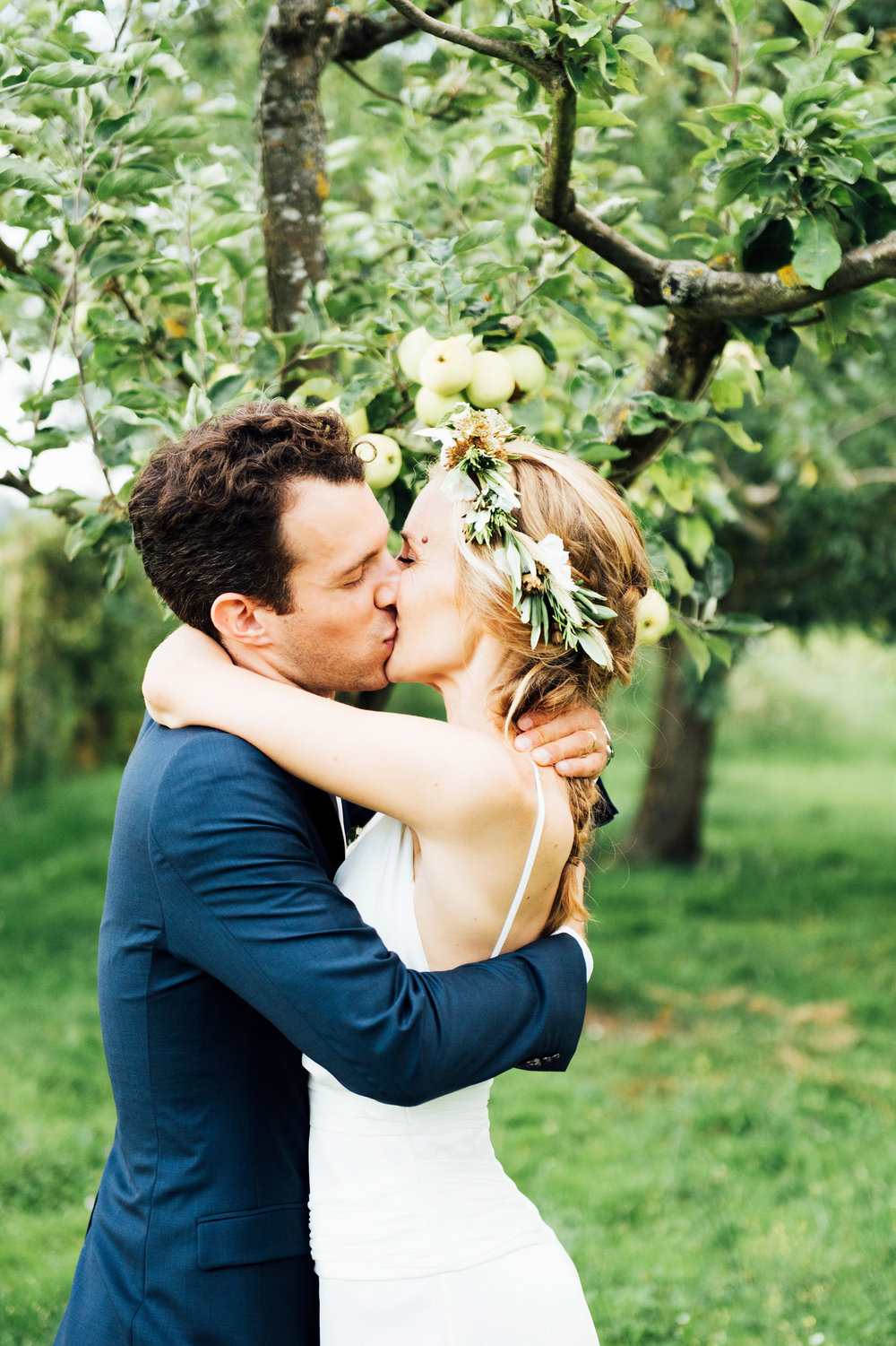 Katie_Mitchell_Photography_French_Country_Garden_Wedding_Paris_37.jpg