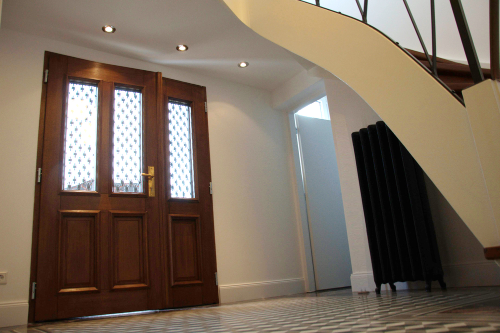 Stilvoller Eingang zu Loftwohnungen in Fabrik Villa Heusenstamm