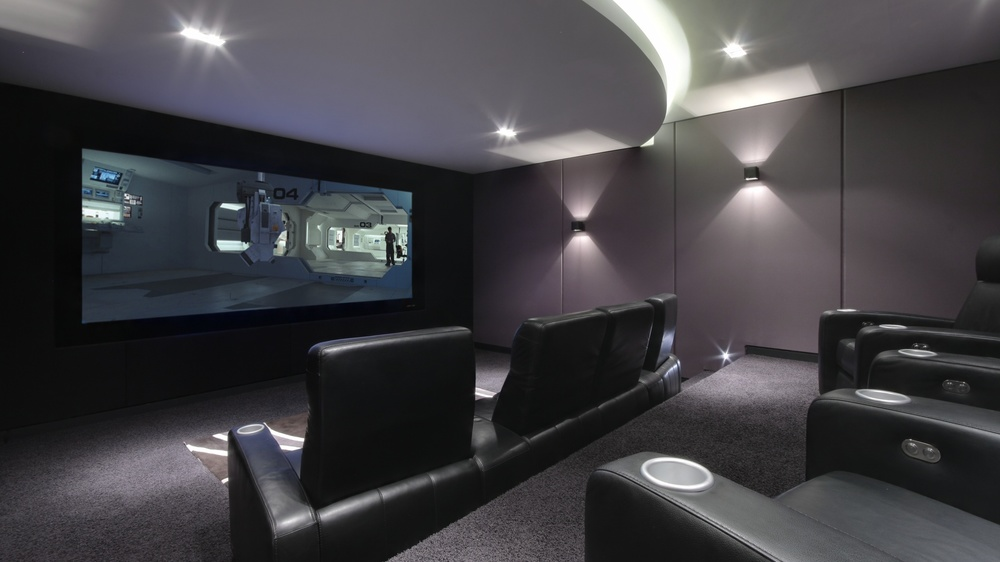 Home_Cinema_Spitfire_8-4_by_iHomes_Cheshire_3.jpg