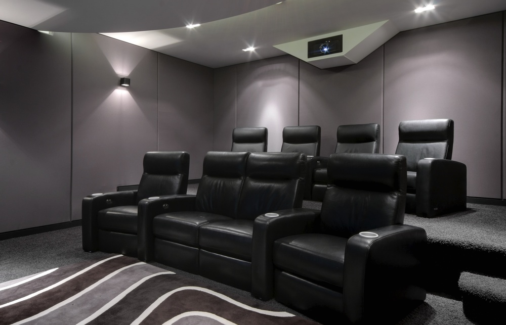 Home_Cinema_Spitfire_8-4_by_iHomes_Cheshire_4.jpg