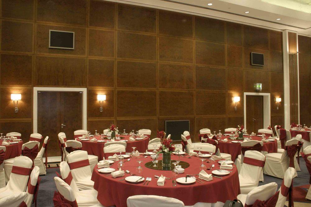 Emirates Tower Hotel 5.jpg