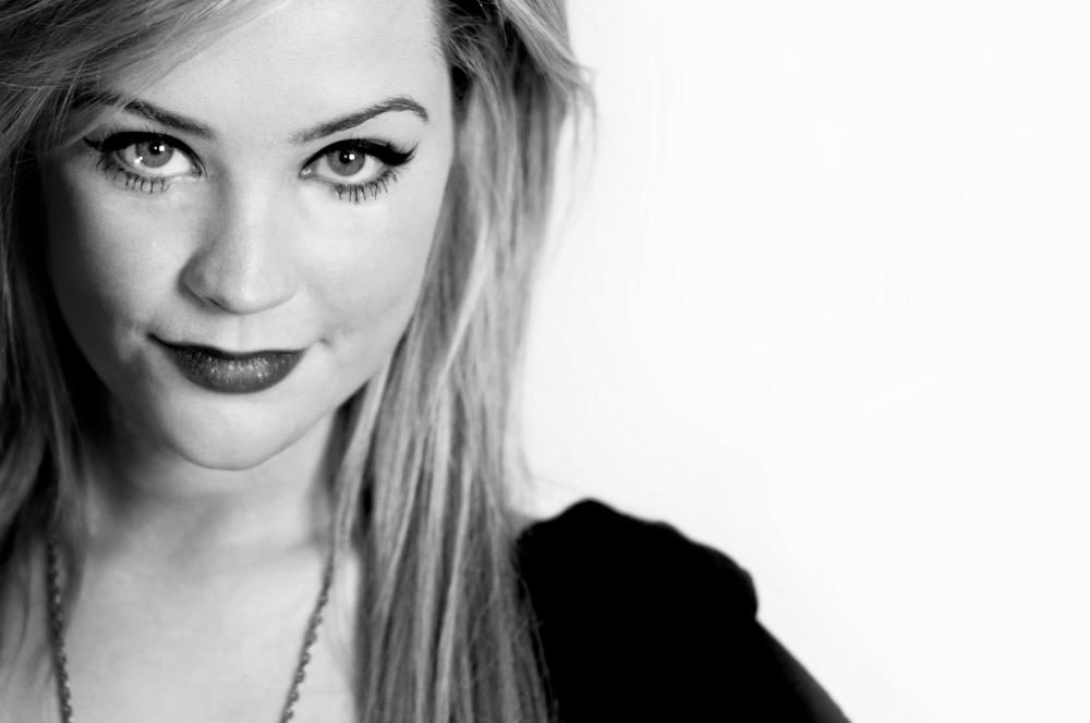 Laura Whitmore MTV.jpg
