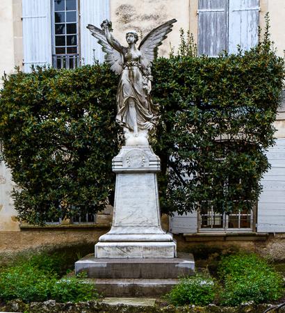 War memorial - Lourmarin