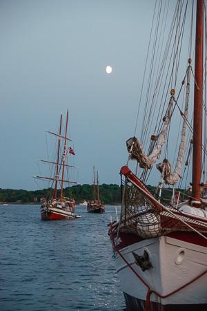 Oslo Harbour, moonrise