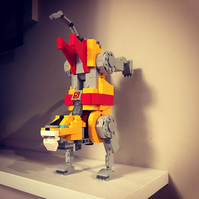 Break-dancing robot lion