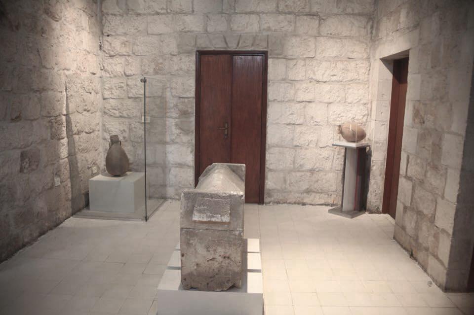 8 Archeology 1.jpg