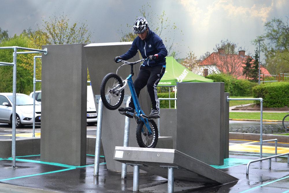 skater_parkour_trial_område_m+cykel.jpg
