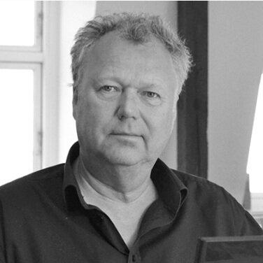 Lars Aaris  Arkitekt MAA Direktør og Partner, Aarhus  laa@urbanlabnordic.dk + 45 51 95 80 23