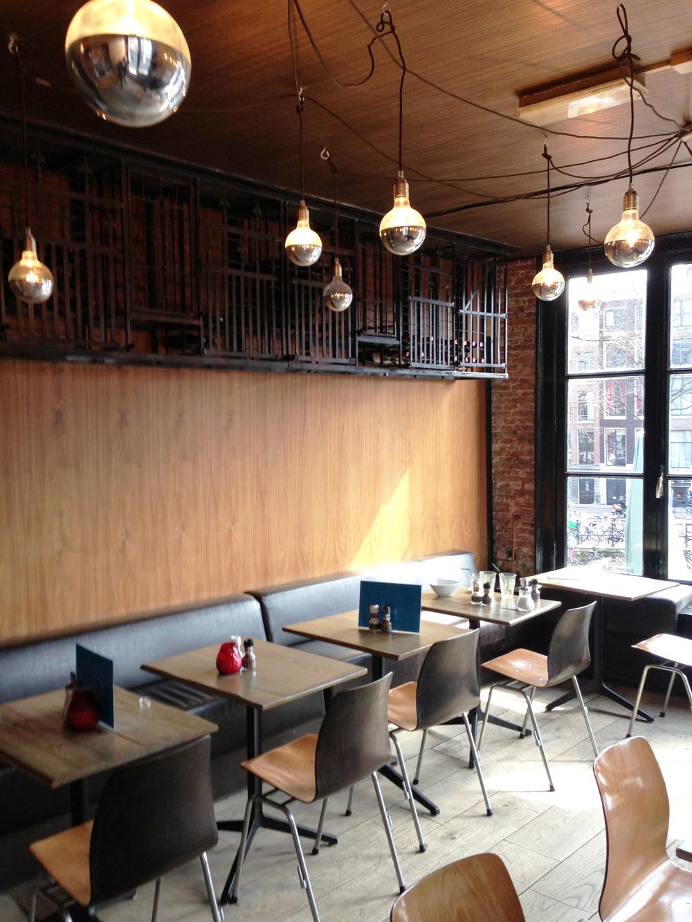 Interieurarchitect cafe amsterdam den haag ontwerp for Loft interieur den haag