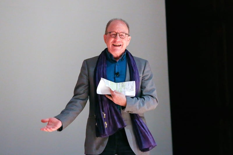 """How to Look at Art Like Jerry Saltz"""