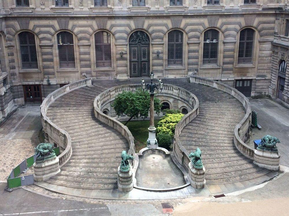 2. Louvre.JPG