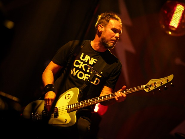 Jeff Ament - Pearl Jam AO Gear: Bad Lieutenant, Sarge, Super Sarge Jeff Ament is the bass guitarist for and one of the founding members of Pearl Jam.  October 22, 2015 officially marked 25 years of Pearl Jam performing live.