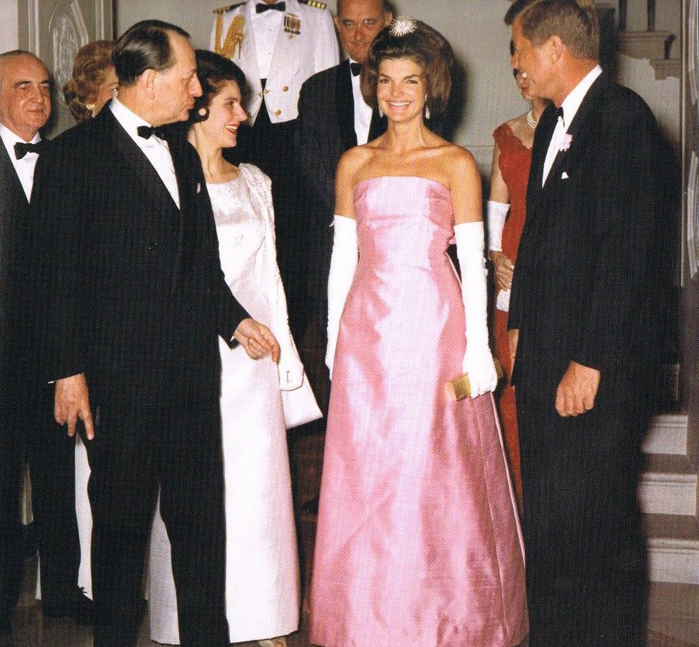 5-jackie-kennedy-john-f-pink-dress