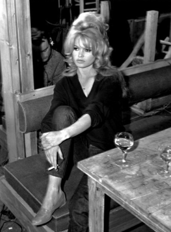 Bardot drinking wine