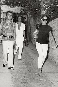 Jackie O in white capris in Greece