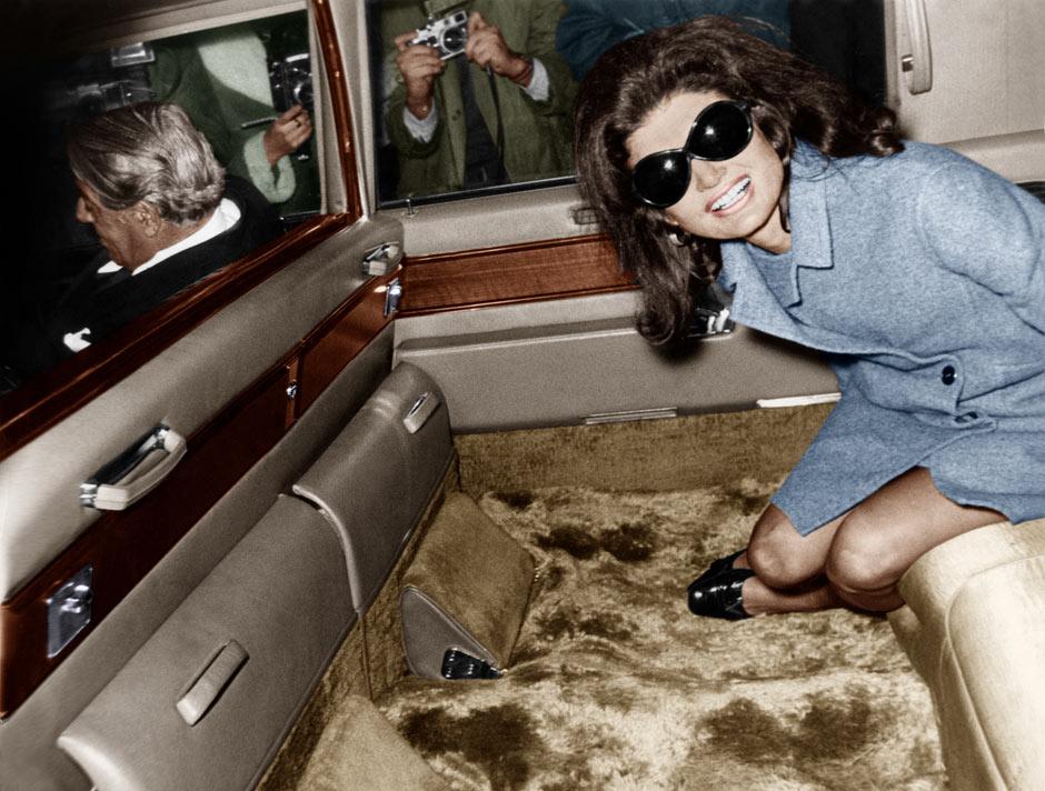 Jackie-Kennedy Onassis leaving Heathrow in 1968