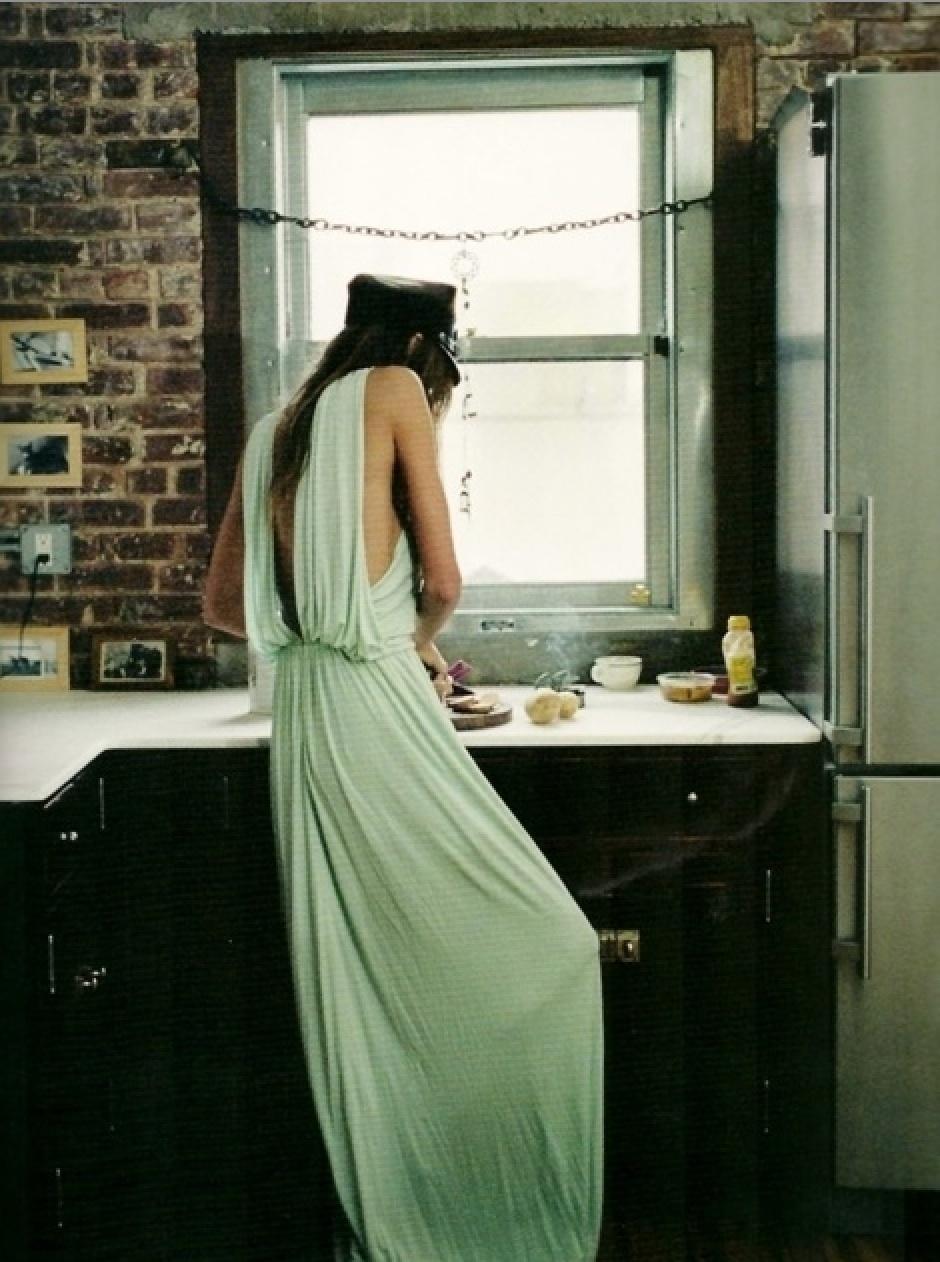model_in_kitchen