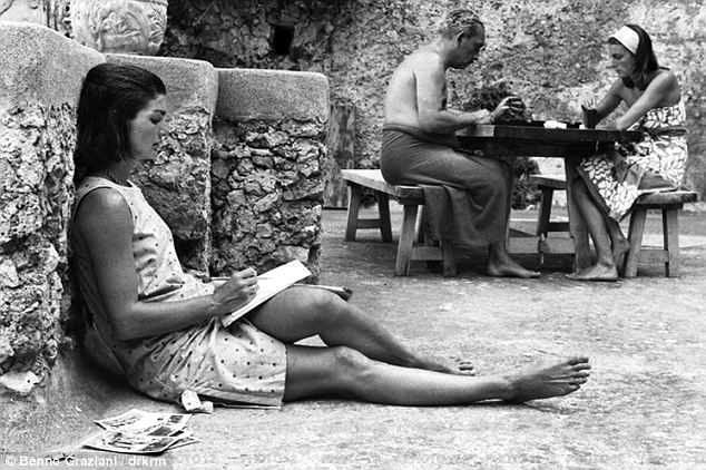 Jackie O on vaca in Italy, 1962