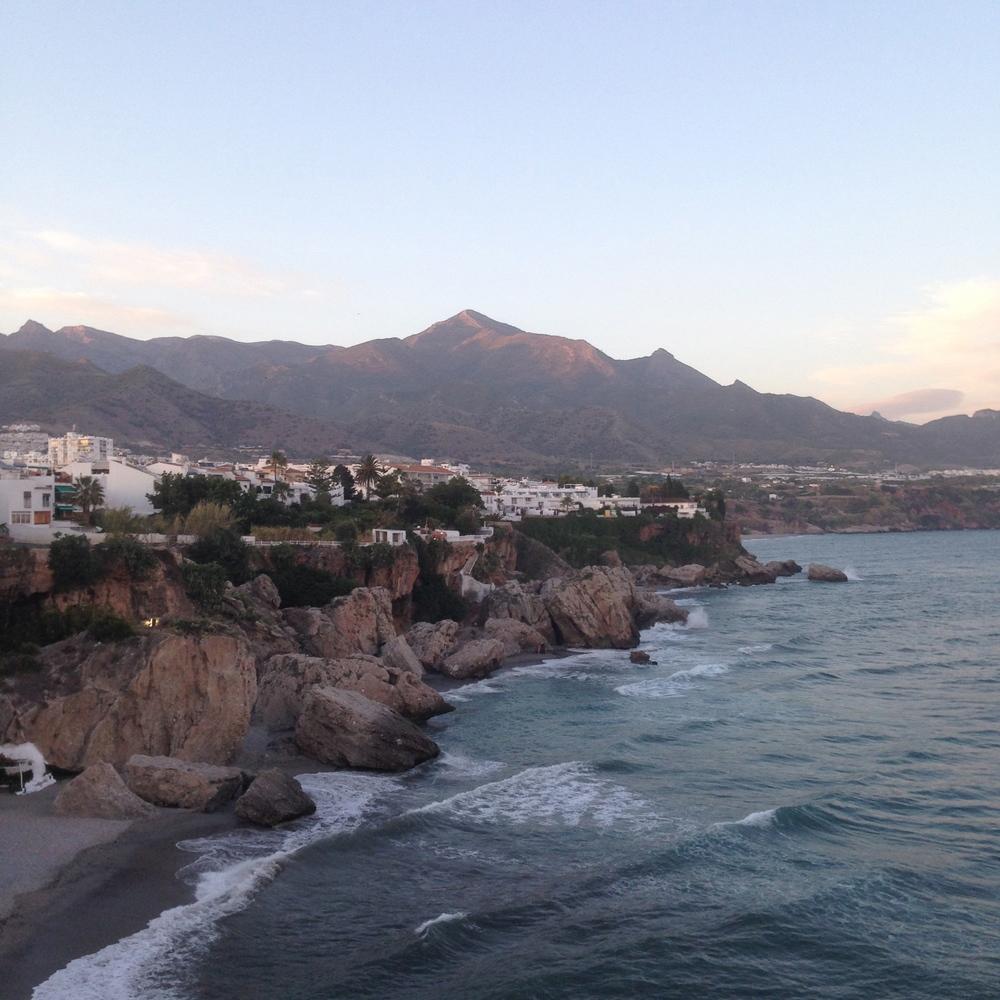 Travelogue on Leia Bryn | Nerja, Spain