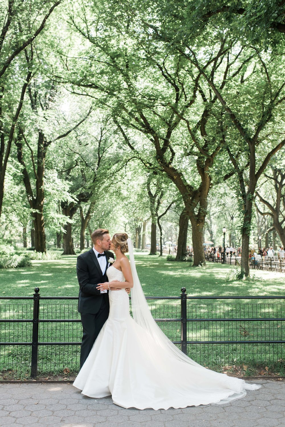 CENTRAL PARK ELOPMENT, BRIDE AND GROOM, DESTINATION ELOPEMENT IN NYC, DESTINATION ELOPEMENT IN CENTRAL PARK, BRISTISH COUPLE ELOPEMENT IN NYC, CENTRAL PARK WEDDING, NEW YORK CITY WEDDING, CENTRAL PARK ELOPEMENT PHOTOGRAPHER, CENTRAL PARK WEDDING PHOTOGRAPHER, NEW YORK CITY ELOPEMENT PHOTOGRAPHER, NEW YORK CITY WEDDING PHOTOGRAPHER, BRIDE AND GROOM PORTRAIT IN CENTRAL PARK, STUNNING BRIDE AND GROOM, MARTINI LEONA, MANOLOBLAHNQ, LONG VEIL