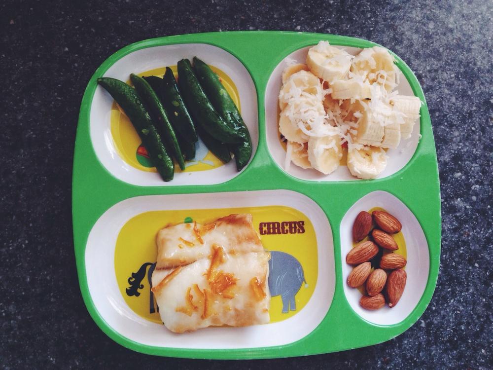 peas / banana slices, coconut flakes / cod / almonds