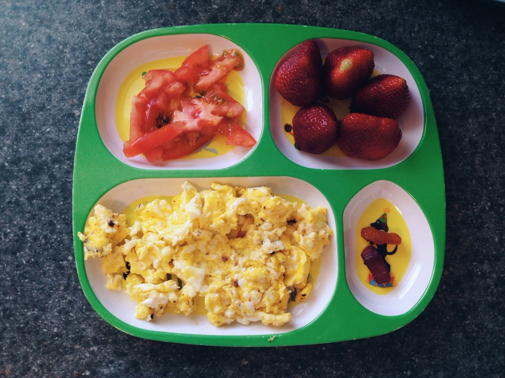 tomatoes / strawberries / scrambled eggs / chewable vitamins