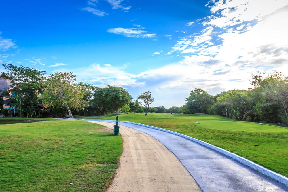 Hole # 1 Playacar Golf Club - 381 Yard Par 4 - Handicap 8