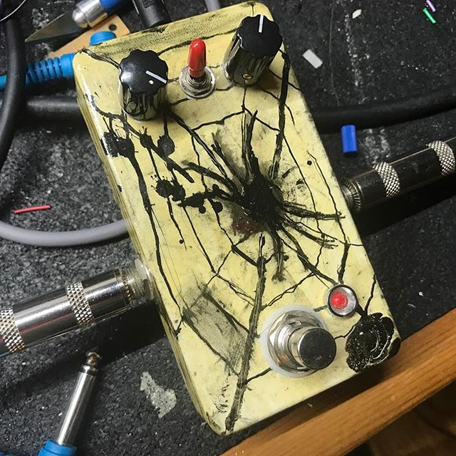 Wolf Spider octave fuzz! $105 shipped!  Here is our take on the popular Octavia octave fuzz. This pedal is a ripping, industrial, sheet metal tearing pterodactyl sounding fuzz.  Controls for volume and gain and the toggle turns the octave one and off. The octave will be most pronounced playing above the 12th fret on the neck pickup.