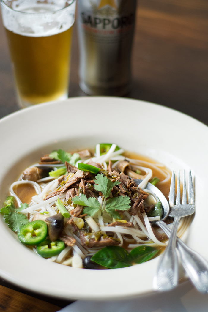 Mustang Fresh Food: pho and beer