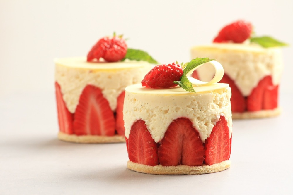 Learn how to make a fraisier in our (3 hour) class today!