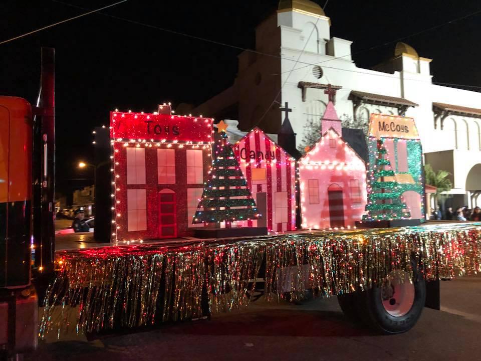 christmas parade 3.jpg