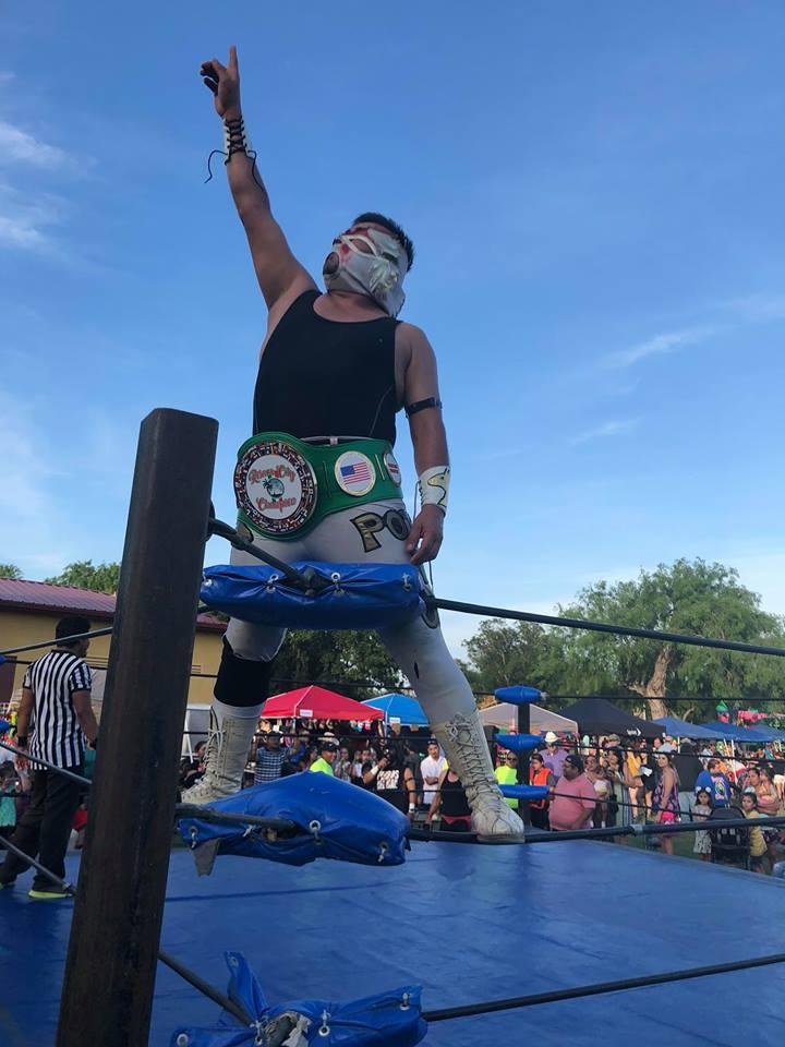 cinco de mayo wrestler.jpg