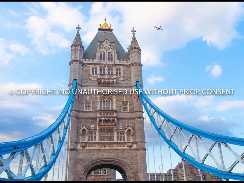 TOWER BRIDGE by Ferhat Ince.jpg