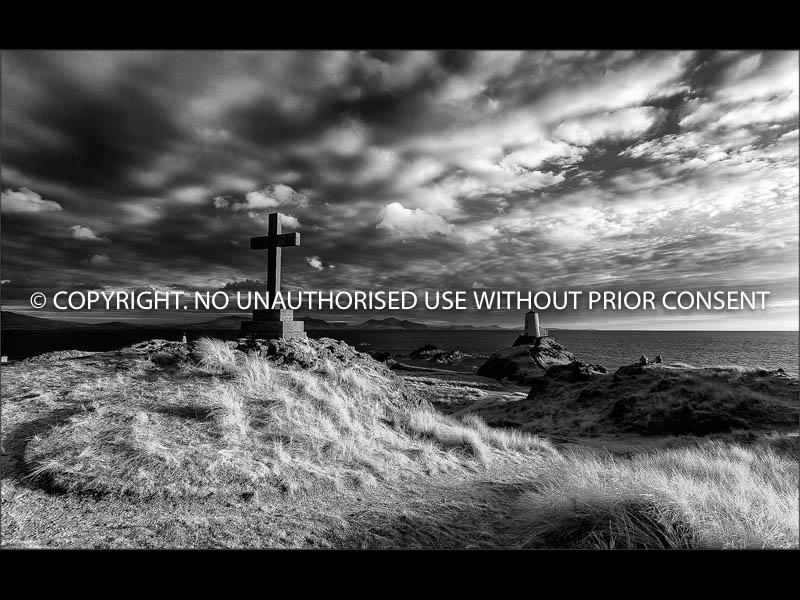 LLANDWYN ISLAND CROSS AND LIGHTHOUSE by Colin Mill.jpg