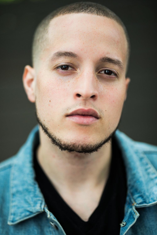 Raymond  – Manny Ureña