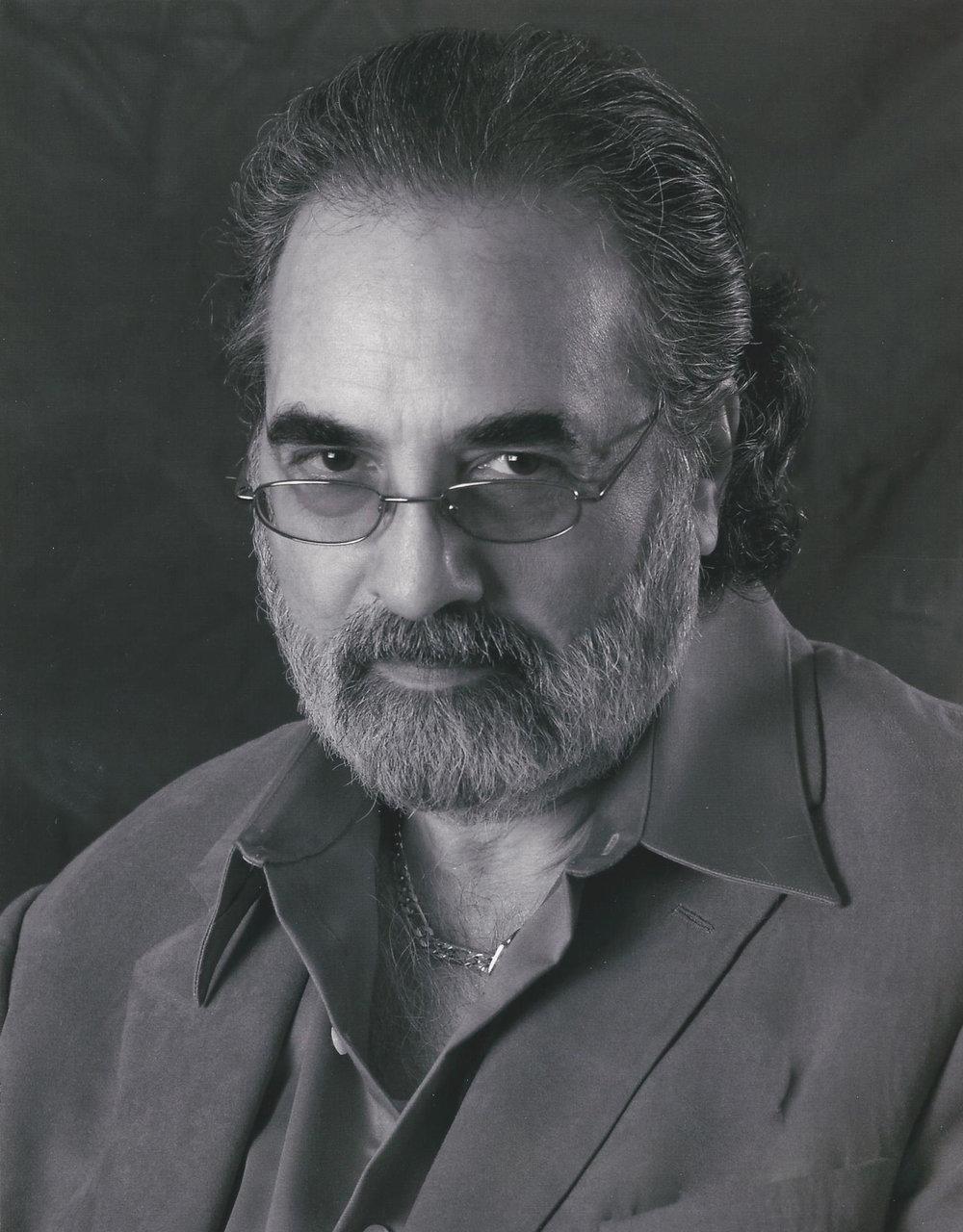 Domingo  – Manny Cabrero