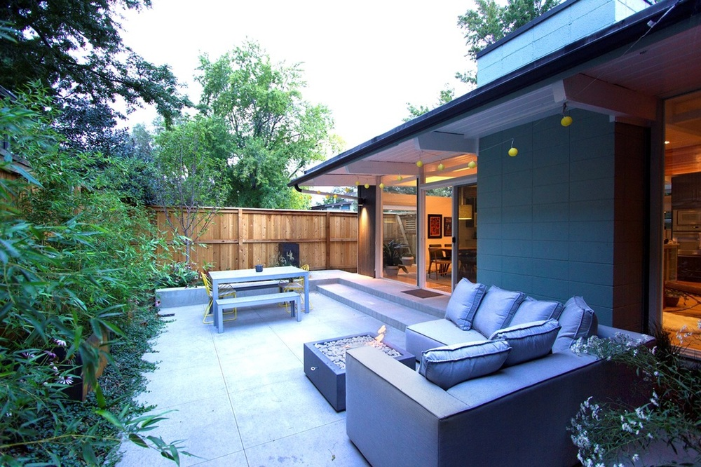 KP side yard patio example.  By Blue Design Group. Built by Designs by Sundown.