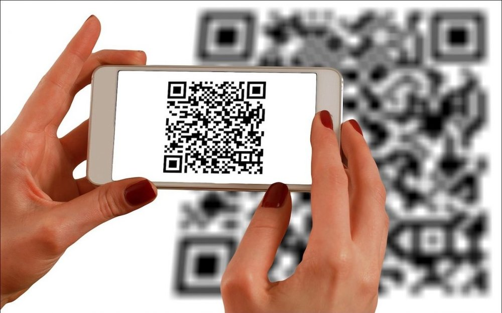 scan-QR-codes-photo-1080x675.jpg