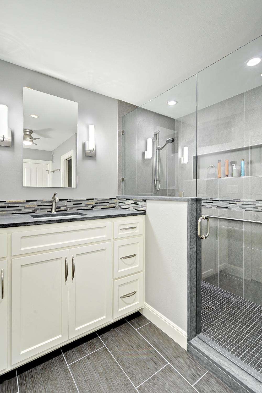 Plumewood Bath.jpg