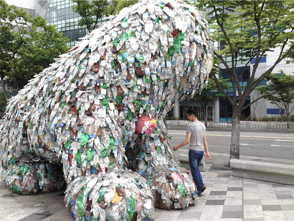www.moowon.com, Sculpture of Haechi made out of recycled water bottles