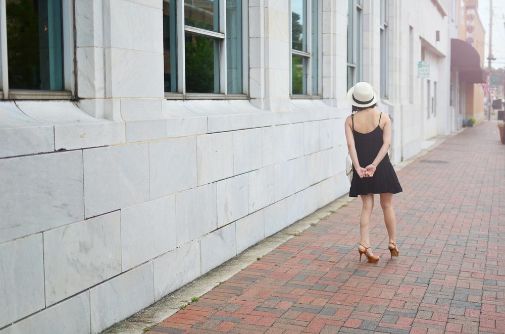 Talula Keisei Dress, Talula Pelham Hat, Michael Kors sandals, Nila Anthony clutch