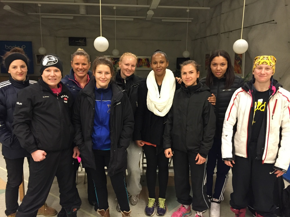 Team Perkele hälsade Team Finland , stenhård sparring läger i Tanmerfors Finland och ha det riktigt bra sparring ! Tack alla Finska boxare 👍