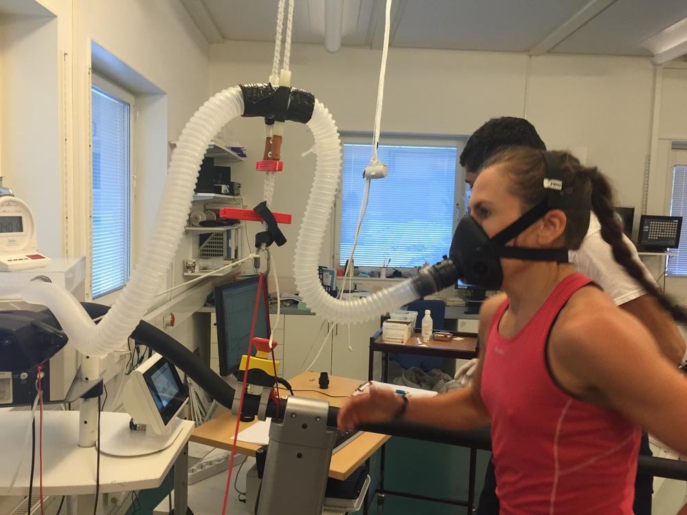 Innan grunduppbyggnadsperioden startas testas Lise i Bosön och vi får ett V02MAX värde som sen jämförds med nya test värde om 8-10 veckror. Senaste värde nosade 62-63 dock inte helt minut så värde blev 61 som är i för sig bra , eller en av dom bästa i Landslaget.