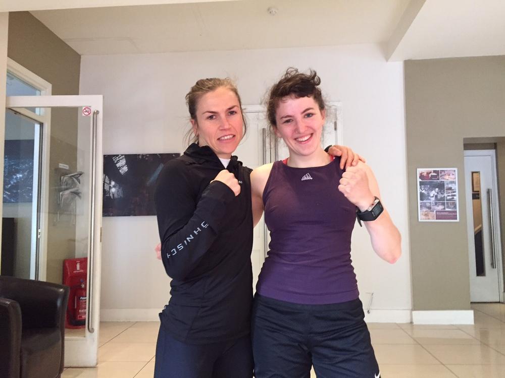 Mia och Lise klara för idag , nu är det chill !