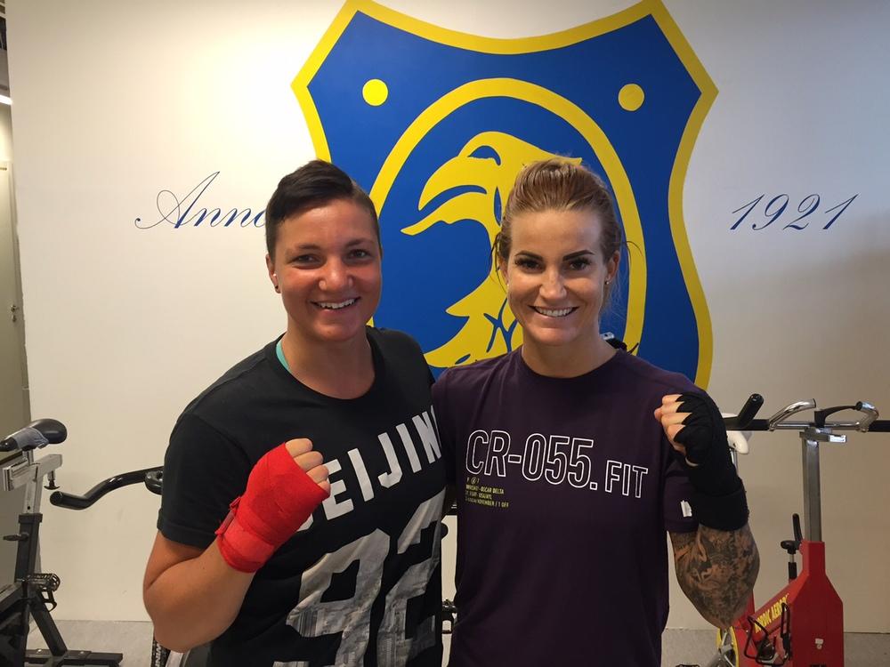 Ellu och Madde , riktigt grym bra träning och sparring tillsammans ! En dag kvar !!