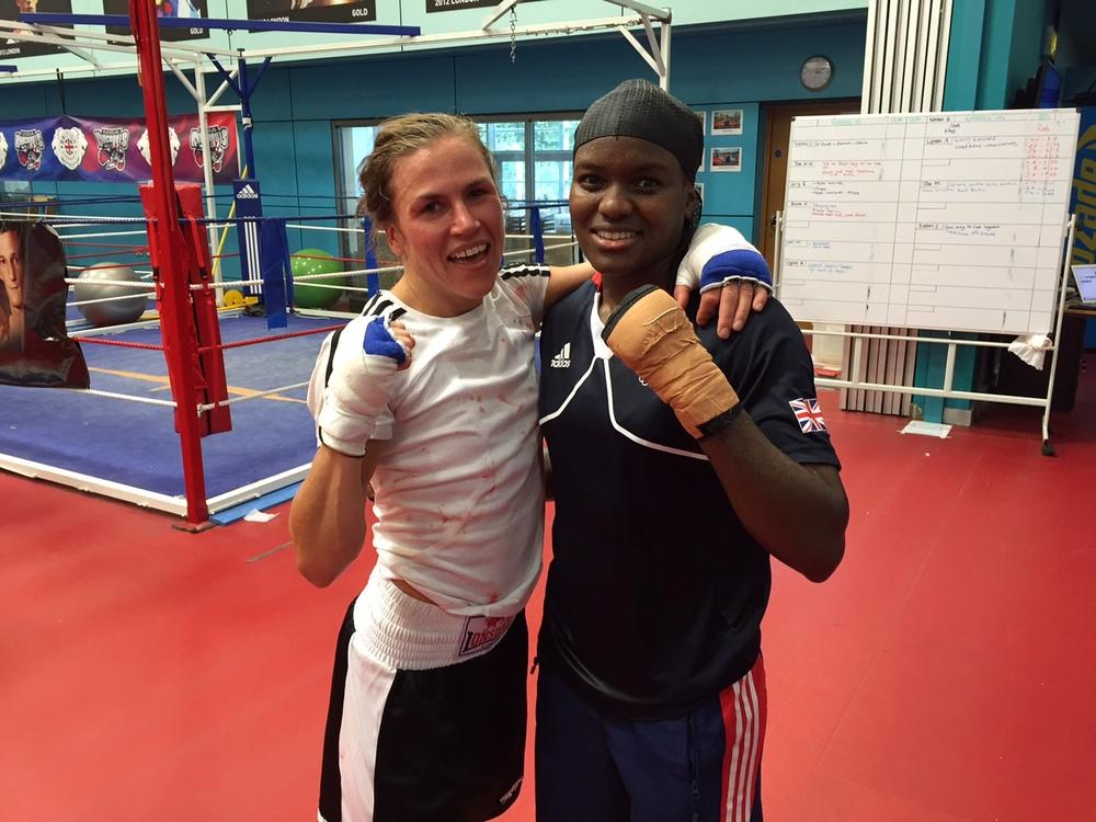 Lise och Nicola , vilken dag , det är inte varje dag sparring med OS GULD Medaljören !!