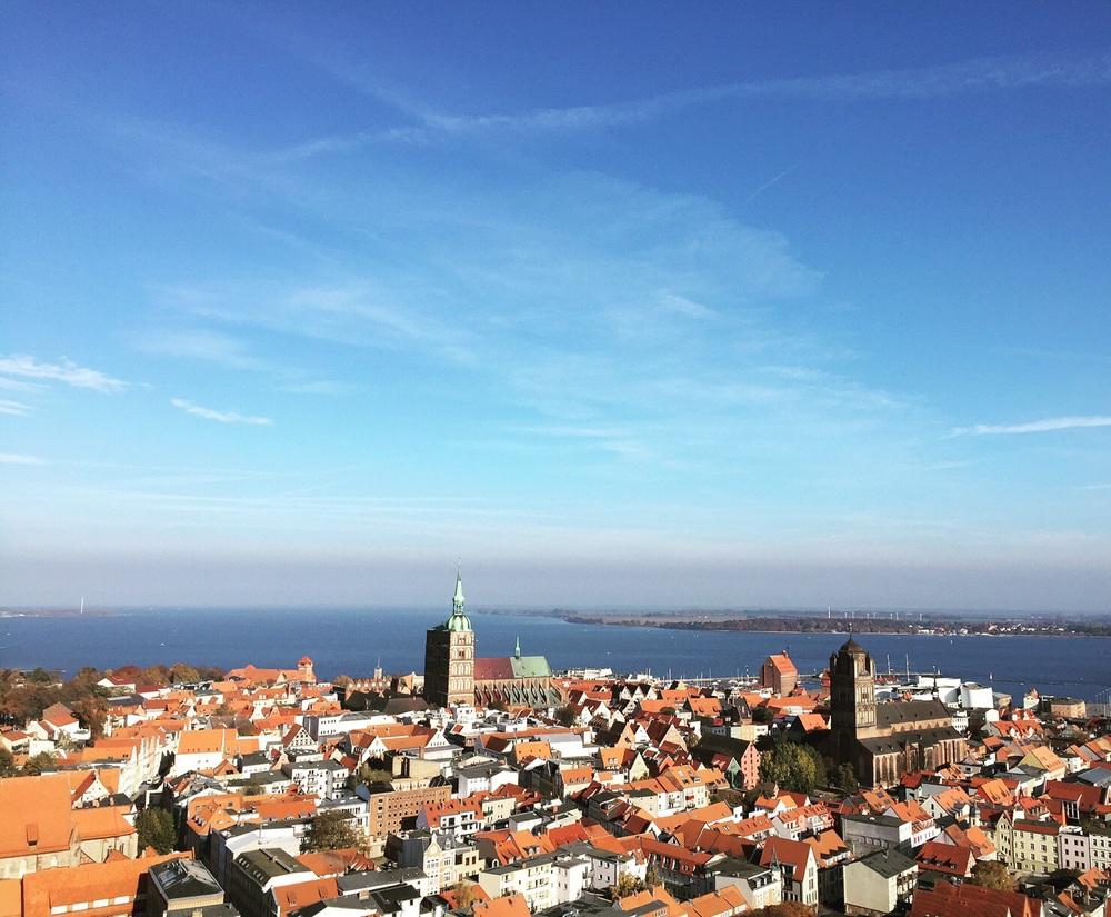 Stralsund utsikt från 90 meter hög kyrktorn. Magnifik !!