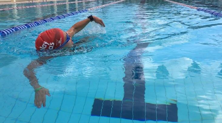 Playitas har 50 m OS pool och det går boka en egen bana att simma i fred.