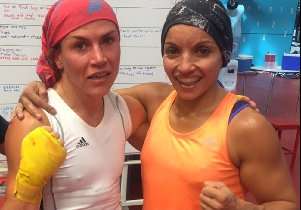 Uppdragsparring med Franska Europa mästaren och Världsmästaren Sarah Ounahome.